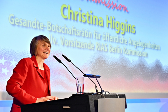 http://riasberlin.org/wp-content/uploads/2019/05/1255_RIAS2019.jpg