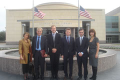 http://riasberlin.org/wp-content/uploads/MEDIA_2009/21_November_9_2009/09-Texas02.jpg