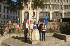 http://riasberlin.org/wp-content/uploads/MEDIA_2009/21_November_9_2009/09-Texas71.jpg